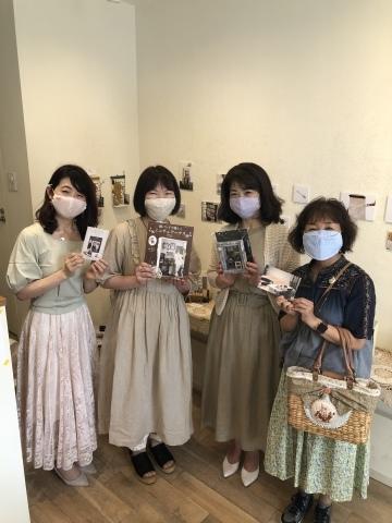 「こんなお家に住んでみたい♡」村田美穂ちゃんの「紙バントで楽しくミニチュアハウス」の出版記念作品展に行ってきました@表参道ギャラリーニイク_a0157409_14232922.jpeg