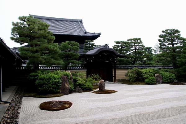 夏の建仁寺拝観_e0048413_18381402.jpg