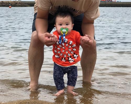 tsuguと初めての海_c0170075_00463392.jpg