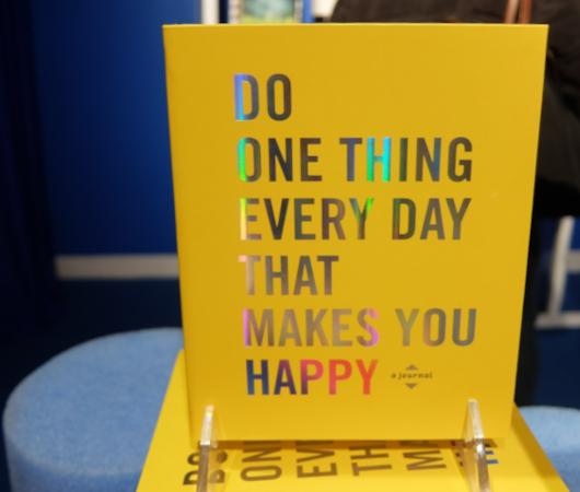 お店でお買い物すると気持ちを幸せにするリテール・セラピー(Retail Therapy、小売心理療法)ほか_b0007805_23271012.jpg