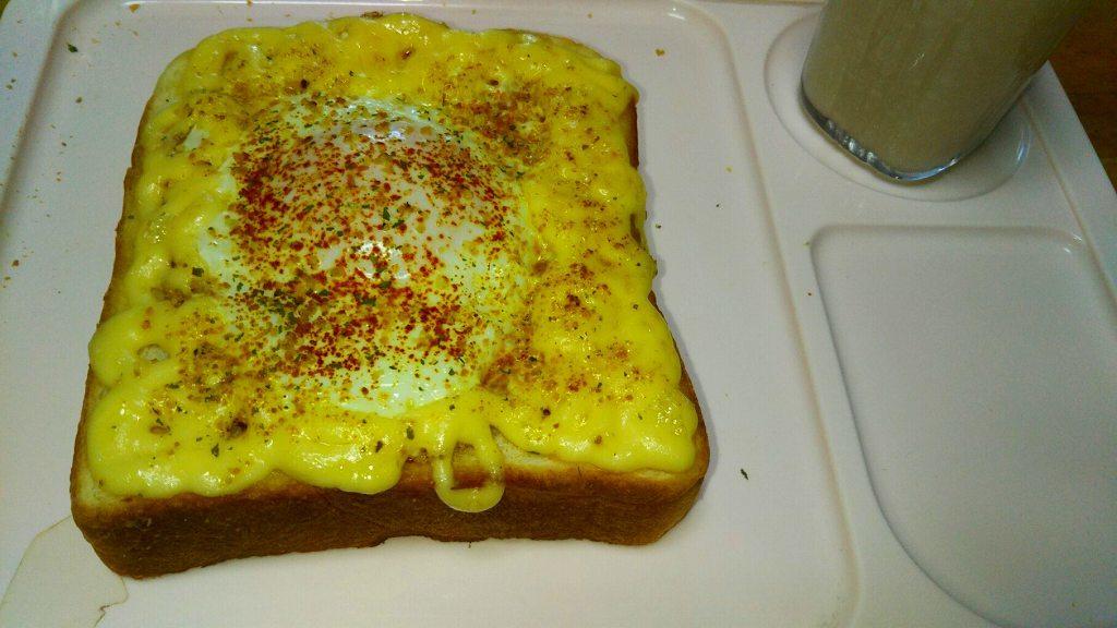朝食はマヨ玉トーストで_e0372207_10430350.jpg