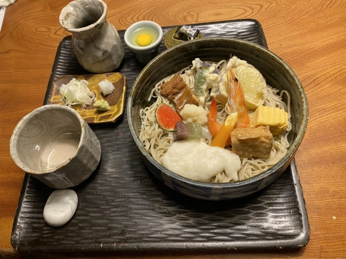 九つ井戸の「チラシ蕎麦」_b0084241_22372569.jpg
