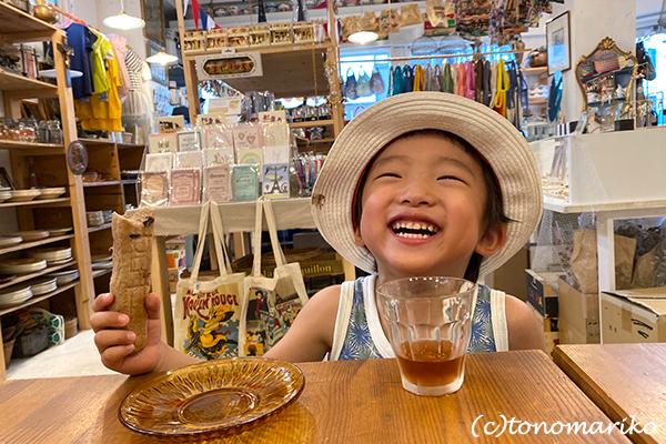 日本の夏休みも終わりです。プチモンスターとバブーとバイバイ!_c0024345_13354188.jpg