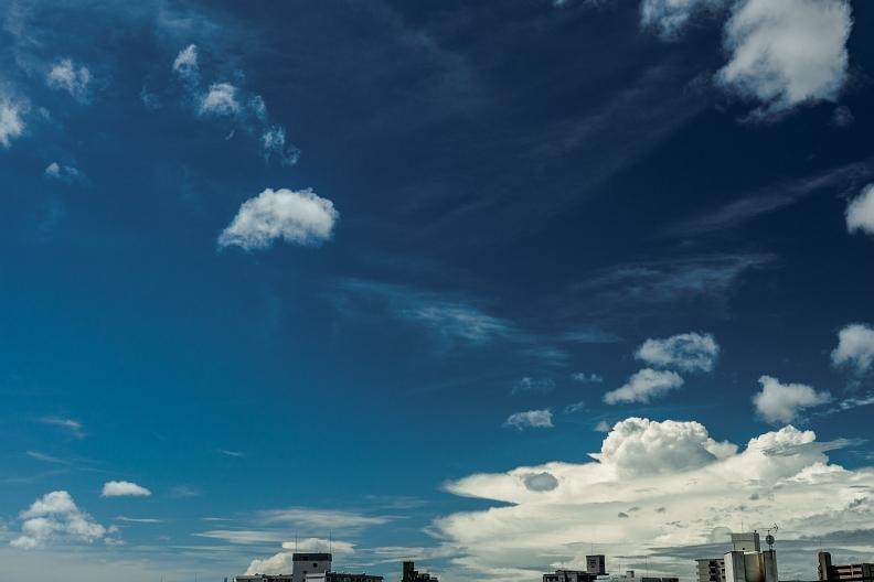 台風の影響で雲が踊る_f0189086_19090954.jpg
