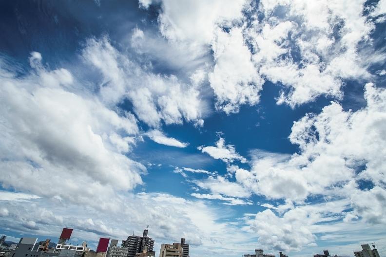 台風の影響で雲が踊る_f0189086_19112621.jpg