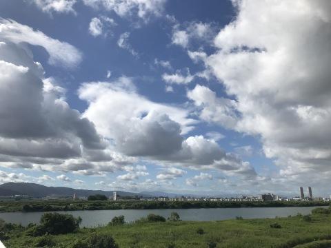 迫る雲 自作牛丼_b0176192_13162155.jpg
