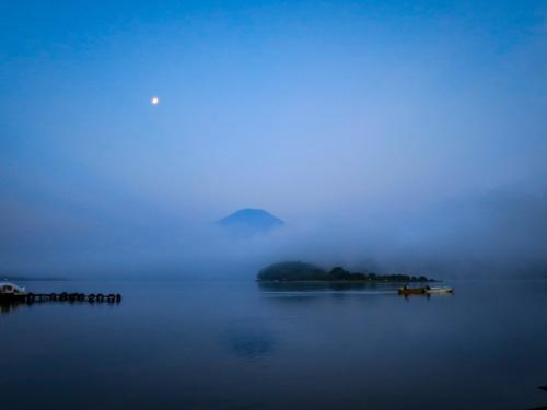 2020.8.6霧の山中湖と富士山(平野浜)_e0321032_08322621.jpg
