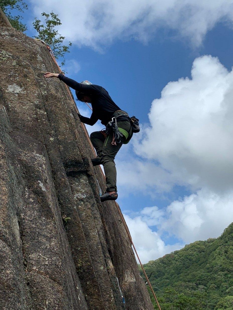 妙号岩クライミング_b0227552_18583844.jpg