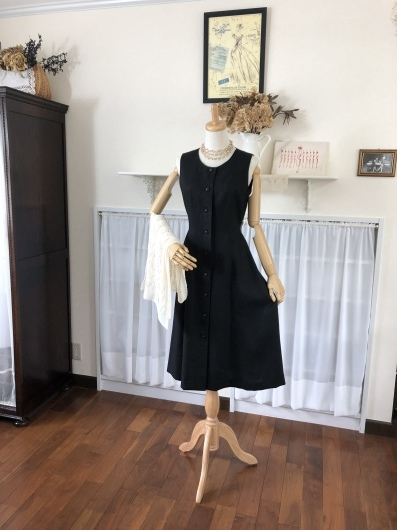 Little Black Dress ~5<_f0182167_16251642.jpeg