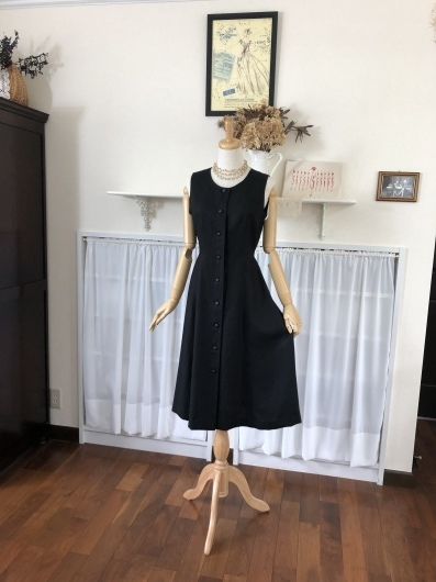 Little Black Dress ~5<_f0182167_16271438.jpeg