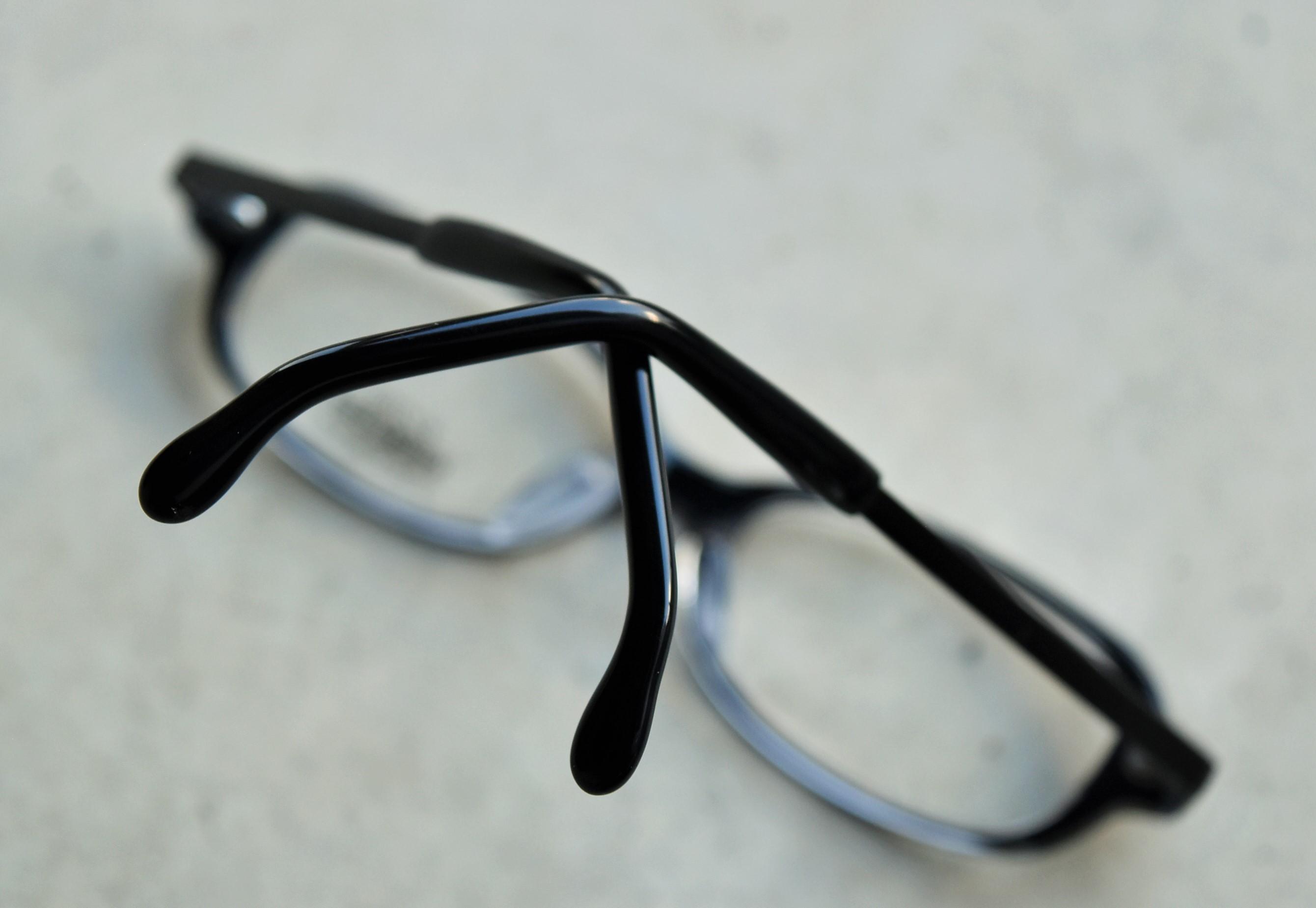 2段曲げモダンでずれにくい高品質こどもメガネ!  KOOKI _f0338654_17442583.jpg