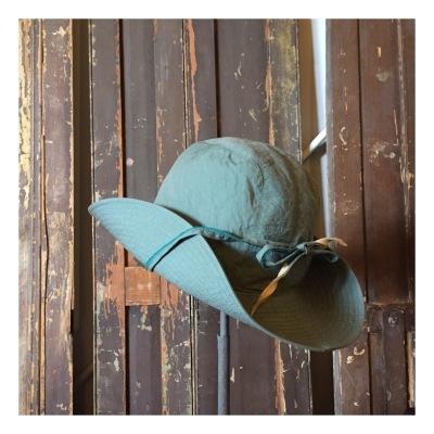 Brownラインの帽子たちを_a0157872_15565635.jpg