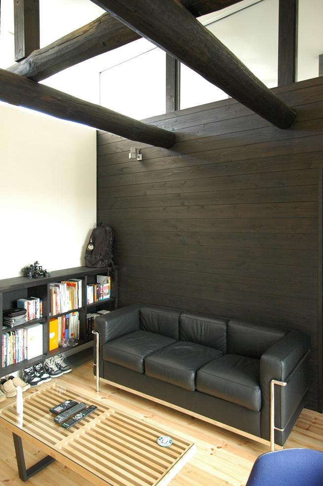 化粧丸太と杉板壁の趣味室!_c0148401_15270693.jpg