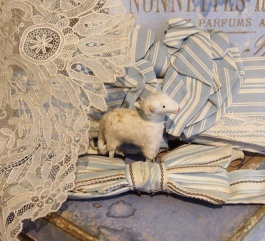 パリの蚤の市から大阪へ*素敵なブルー色の靴箱_c0094013_18045884.jpeg