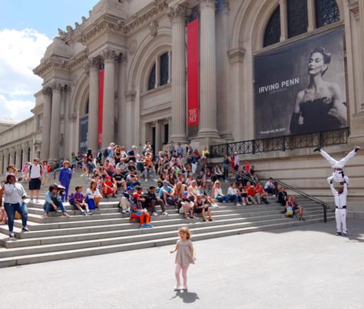 来週月曜日8月24日から、ニューヨークの美術館など室内施設が再オープンへ_b0007805_21543945.jpg