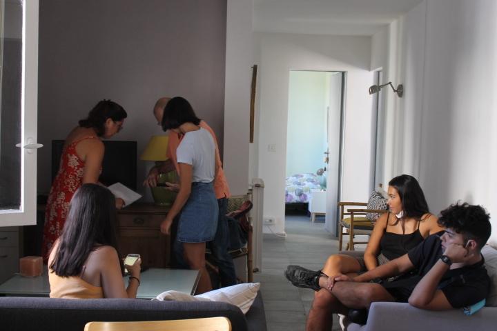 appartement meublé アパルトマン ムーブレ/ 家具つきアパート_f0136579_19301873.jpg