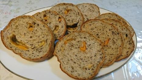 20年ぶりに焼いたラウンド型のパン_b0207284_19172601.jpg