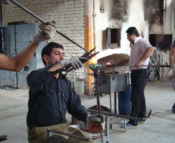 イランの手吹きワイングラス_d0193211_17253036.jpg