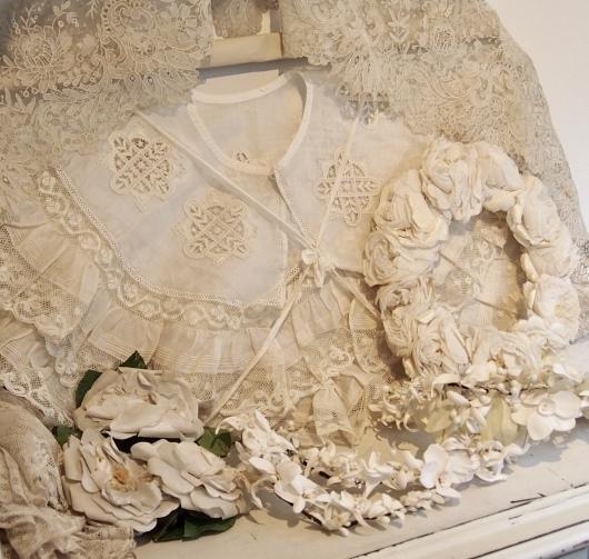 パリの蚤の市から大阪へ*レースの襟と白いお花のカチューシャ_c0094013_19080209.jpeg