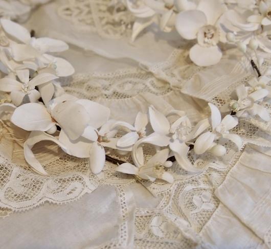 パリの蚤の市から大阪へ*レースの襟と白いお花のカチューシャ_c0094013_19091843.jpeg