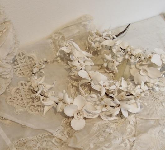 パリの蚤の市から大阪へ*レースの襟と白いお花のカチューシャ_c0094013_19093375.jpeg