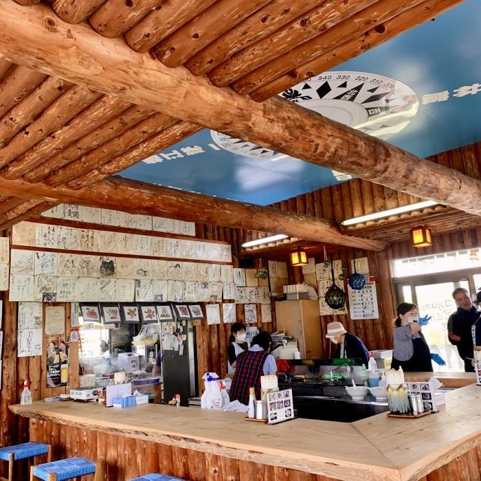 宗谷岬と言えば間宮堂のホタテ塩ラーメン&ホタテの半カレー!_c0226202_06504946.jpeg