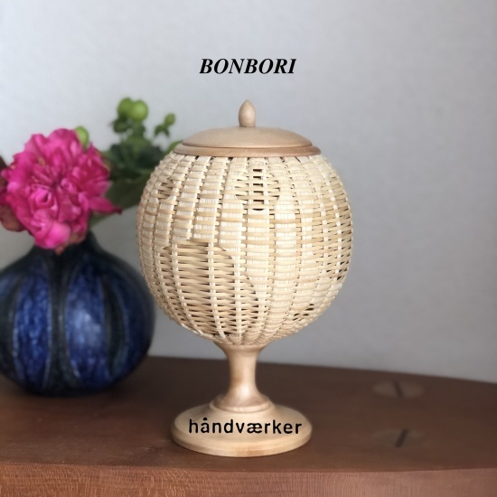 BONBORI灯籠 昼間の姿_f0197215_12161610.jpeg