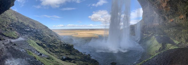 アイスランドの滝(4)南アイスランド、優美な姿で女王と言われるセリャラントスフォス_c0003620_09080616.jpeg
