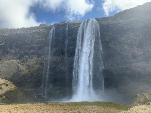 アイスランドの滝(4)南アイスランド、優美な姿で女王と言われるセリャラントスフォス_c0003620_09082598.jpeg