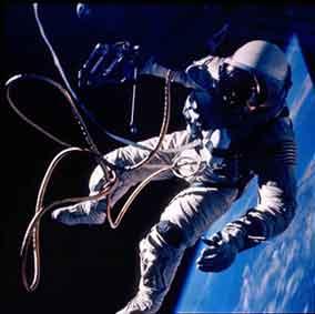 宇宙飛行士 / 画像_b0003330_16105397.jpg