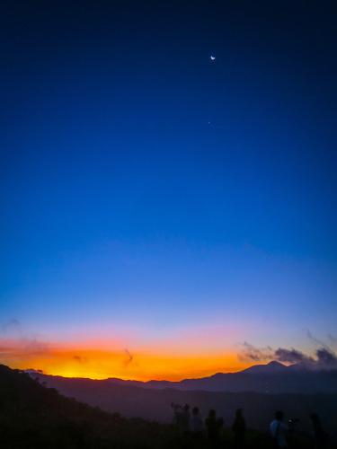 2020.8.15高ボッチ高原の夜明け前の風景(見晴らしの丘)_e0321032_10110825.jpg