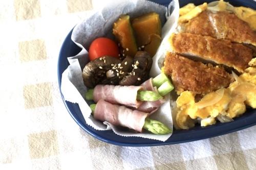 カツ丼弁当_f0220354_16043531.jpeg