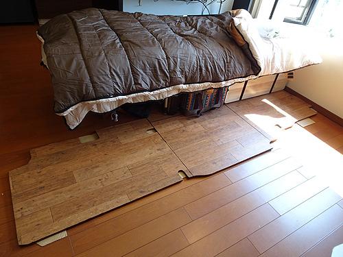 TINY VAN LIFE「理想的なベッドを求めて」_c0137404_09365112.jpg