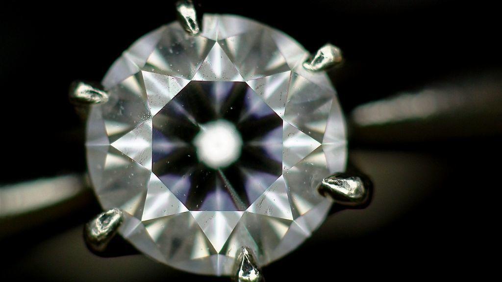 【マイクロスコープの斉藤光学です】ダイヤモンドを撮影しました_c0164695_11524245.jpg
