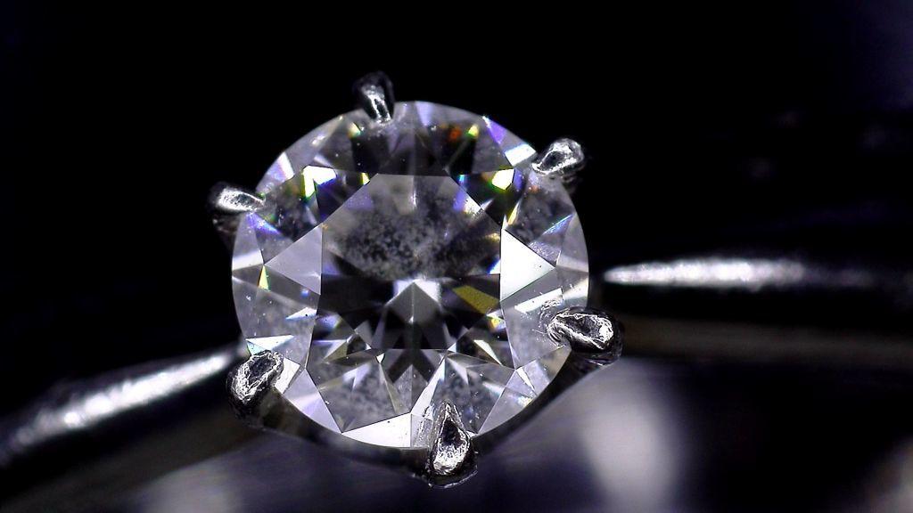 【マイクロスコープの斉藤光学です】ダイヤモンドを撮影しました_c0164695_11524345.jpg