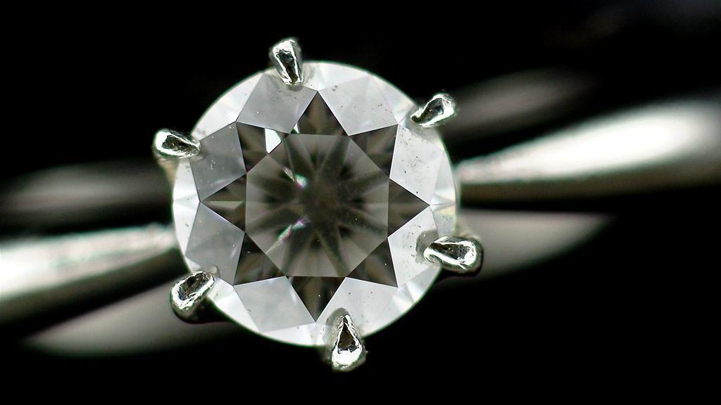【マイクロスコープの斉藤光学です】ダイヤモンドを撮影しました_c0164695_11524367.jpg
