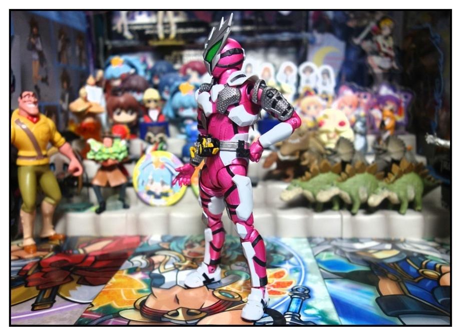 S.H.Figuarts 仮面ライダー迅 フライングファルコンで遊びまくり!!_f0205396_22434452.jpg