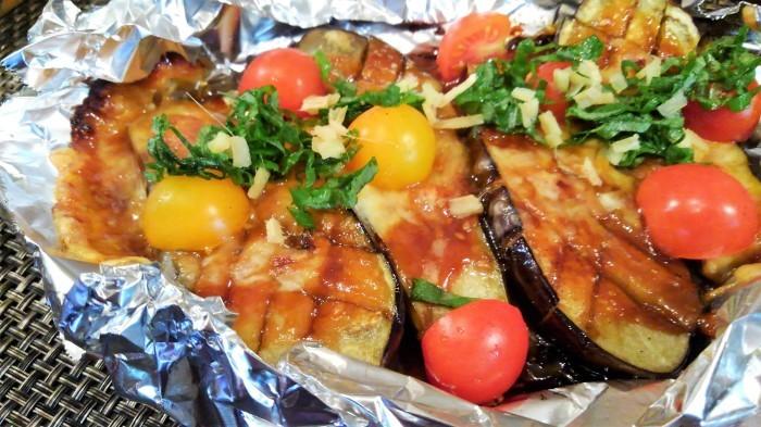 ■菜園料理【茄子のチーズ田楽】トマトを一緒に焼く予定が忘れて 後からトッピング><!_b0033423_14213437.jpg
