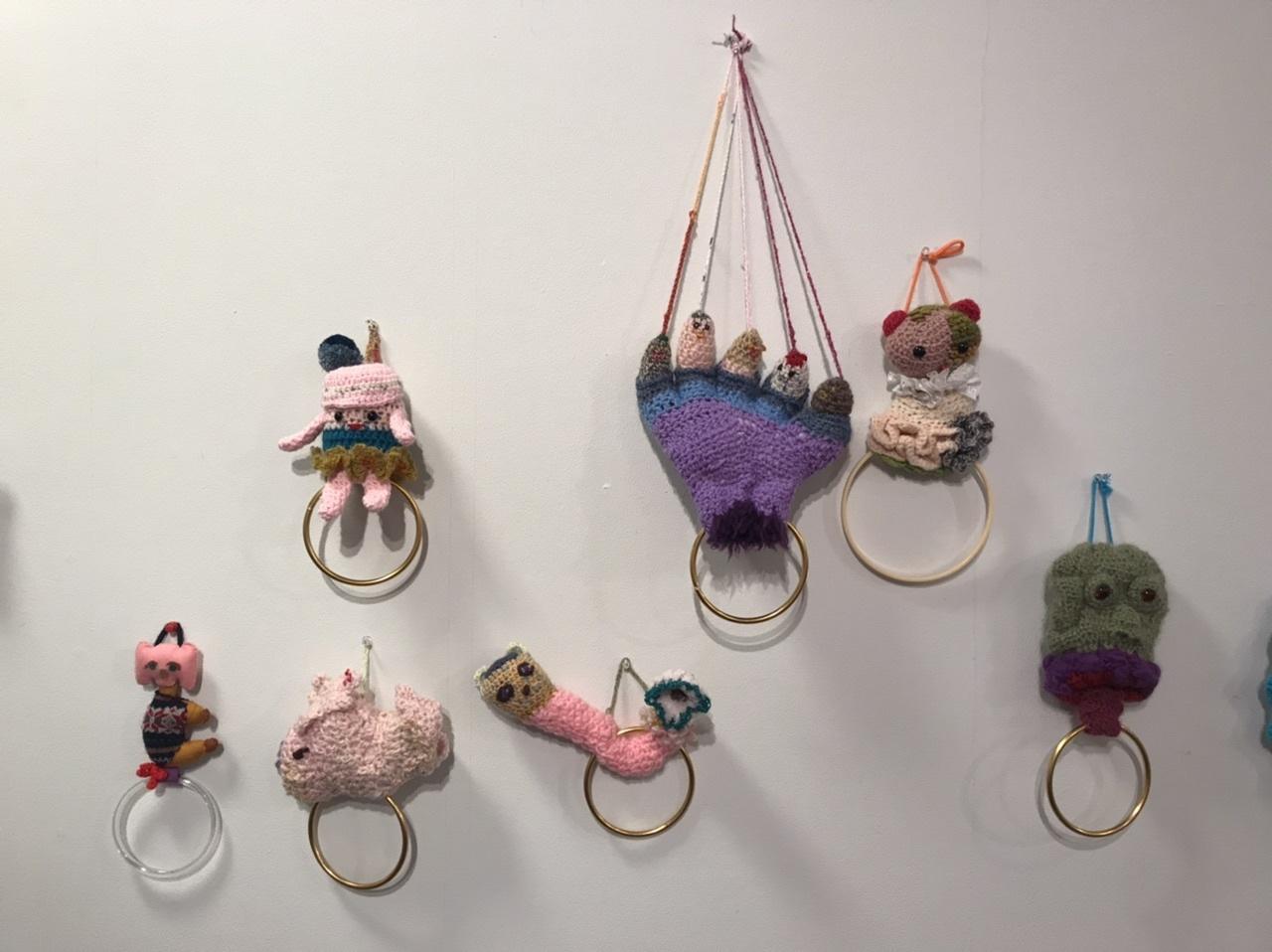 @KCUAギャラリー「おかんアートと現代アートをいっしょに展示する企画展」_f0189227_20000677.jpeg