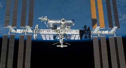 宇宙ステーションの陰影 / 画像_b0003330_10565153.jpg