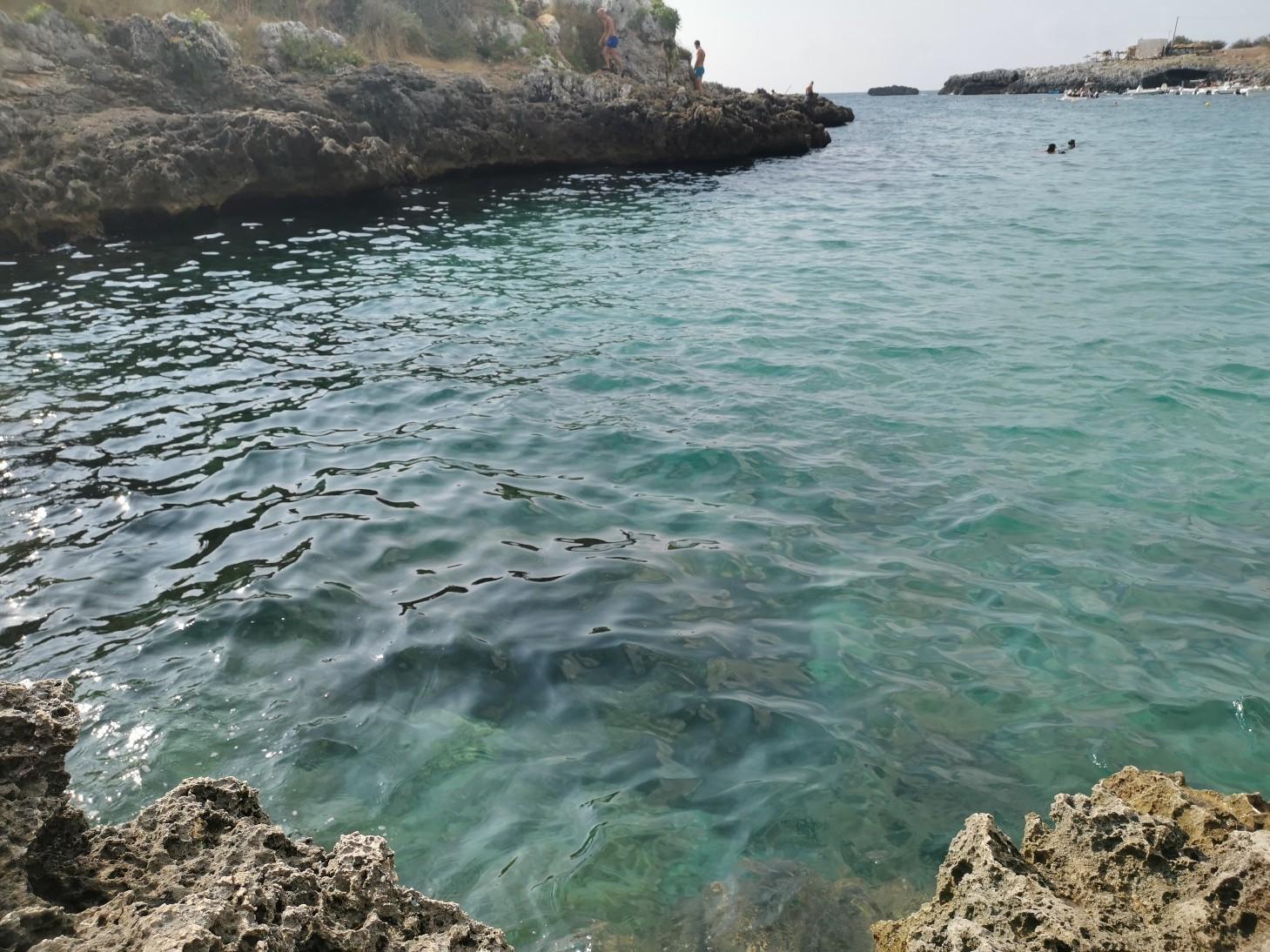 エメラルドグリーンの入り江と丘の上の塔~プーリア滞在記_f0106597_03414946.jpg
