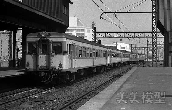 半世紀前のネガシートから 国鉄 千葉駅 ①_d0110009_14553407.jpg