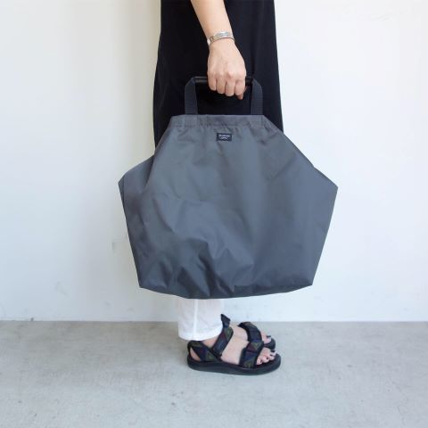 STANDARD SUPPLY : PACKABLE ONE STRAP TOTE_a0234452_16153066.jpg