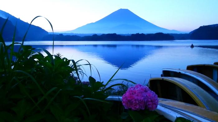 令和2年8月の富士(2) 精進湖畔の夜明け富士 _e0344396_10432104.jpg