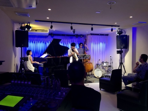 広島 Jazzlive Cominジャズライブカミン 明日8月24日月曜日からの演目_b0115606_12024732.jpeg