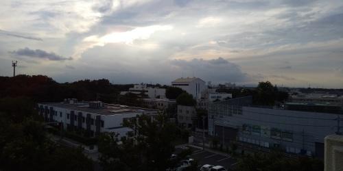 浮かぶ雲に「少しは降って」と願う夏の夕暮れ_b0255217_17365700.jpg