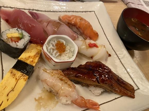 お寿司〜・・・☆_f0177125_21270346.jpeg
