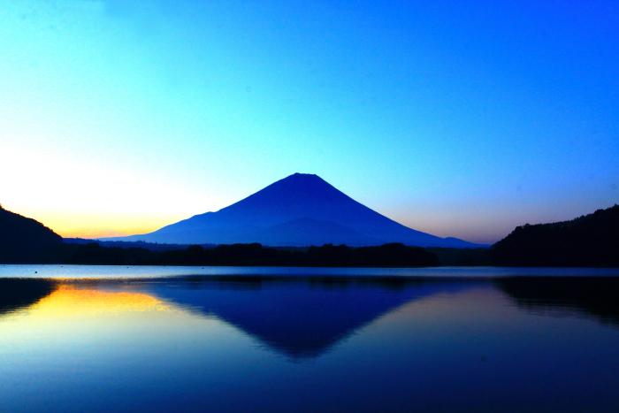令和2年8月の富士(3) 精進湖朝の富士 _e0344396_16345233.jpg