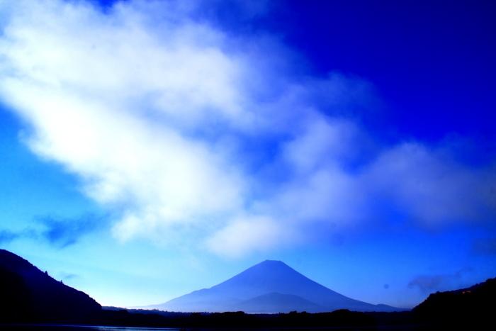 令和2年8月の富士(3) 精進湖朝の富士 _e0344396_16345329.jpg