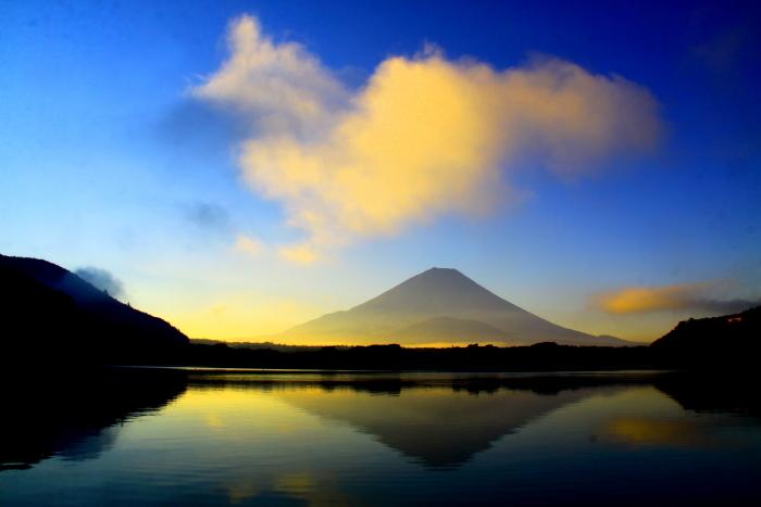令和2年8月の富士(3) 精進湖朝の富士 _e0344396_16345386.jpg